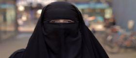 Padova : Fermata al Museo turista musulmana con il niqap
