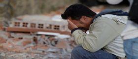Terremoto Oggi : Salgono a 38 le vittime, si scava a mani nude