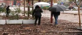 Maltempo : Paura per la piena del Po, sfollati in Emilia R, persone isolate a Genova