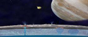 Le evidenze del vasto oceano di Europa potrebbero trovarsi in superficie