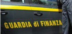 Riciclaggio e fatture false per truffa ai danni dello Stato : 7 arresti