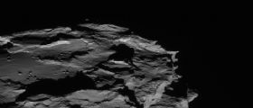 ESA Rosetta al giro di boa della piccola piramide