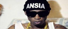 Il rapper Bello Figo non deve esibirsi - Le minacce: Se viene esce dentro una bara