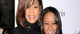 La figlia di Whitney Houston Bobbi Kristina è morta : Verrà seppellita accanto a sua madre