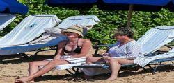Sharon Stone in bikini da urlo a 58 anni