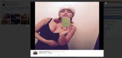 Sara Tommasi è tornata : decoltè esplosivi su Twitter
