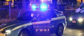 Pesaro, picchia l