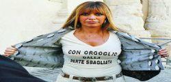 Alessandra Mussolini : Renzi sotto ricatto di De Luca, la Boschi majorette e fatina dai capelli turchini!