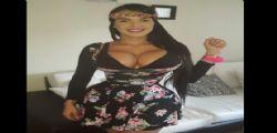 Aleira Avendaro vuole un corpo a clessidra : indossa un corsetto 23 ore al giorno da 6 anni