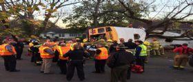 Stati Uniti - Autista scuolabus perde il controllo : Morti 6 bambini, almeno 23 i feriti