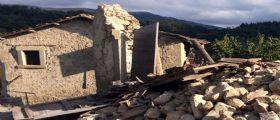 Terremoto Arquata :: Nonna salva i nipoti nascondendoli sotto al letto
