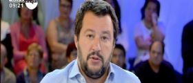 Migranti, Matteo Salvini contro Matteo Renzi: Un verme che usa il bimbo per campagna elettorale