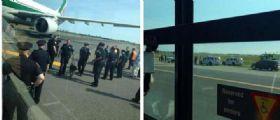 Allarme bomba sul volo Alitalia partito da Milano e diretto a New York Jfk : Evacuati passeggeri
