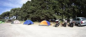 Roma, Campo profughi per italiani : famiglie in emergenza, tra loro neonati e donne incinte