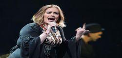 Adele : La cantante senza trucco è irriconoscibile
