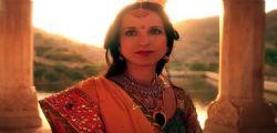 La ragazza con lo smeraldo indiano : Anticipazioni Domenica 5 giugno (2a parte)