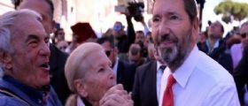 Ignazio Marino in Campidoglio per le dimissioni : Dopo commissariamento, nuove elezioni