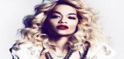 Rita Ora hot su Instagram posta alcuni scatti in spiaggia