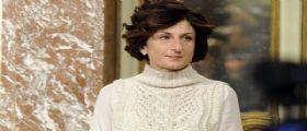 Il web si scatena contro Agnese Renzi : Quel maglione da 950 euro, come fa a permetterselo?