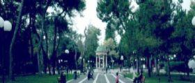Lecce : Effusioni bollenti nella villa comunale tra un anziano e una rumena