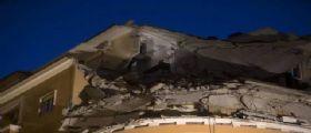 Crollano tre piani di un palazzo a Roma : Nessuna vittima