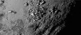 Plutone, Caronte e Idra : rilasciate le prime spettacolari immagini del flyby