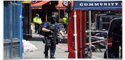 Londra : killer in video con bandiera Isis