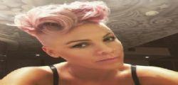 Pink nuda e col pancione su instagram