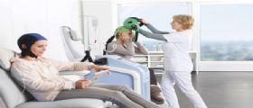 Tumori : A Milano il caschetto contro la caduta dei capelli dovuta alla chemioterapia
