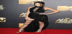 Kendall Jenner col sedere tutto nudo agli Mtv Movie Awards.