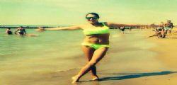 Simona Ventura supersexy in bikini giallo per Miss Italia