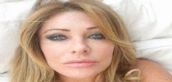 Paola Ferrari esplosiva a Positano