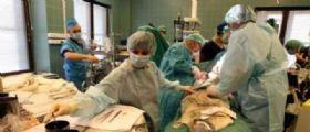 Salerno, un gioco erotico finisce male per un 40enne : In ospedale con una mela nell