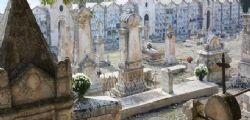 Torino : 70enne si dà fuoco al cimitero