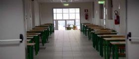 Reggio Emilia, 14enne non si fa interrogare al posto del compagno : Il bullo la picchia a bastonate