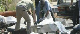 Napoli : Trovato tra i rifiuti il corpo di un giovane legato e parzialmente bruciato