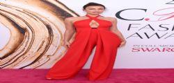 Irina Shayk super sexy e senza reggiseno sul red carpet