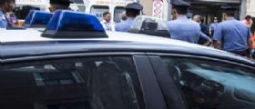 Brescia : Si barrica in casa armato di fucile con il bambino