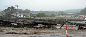 Tifone a Nordest del Giappone: Argini rotti e fiumi che esondano, 11 morti e 3 dispersi