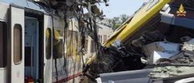 Puglia, il tragico scontro tra treni : 27 i morti, trovata la scatola nera