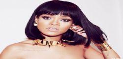 Rihanna su Twitter ancora hot con foto scandalose