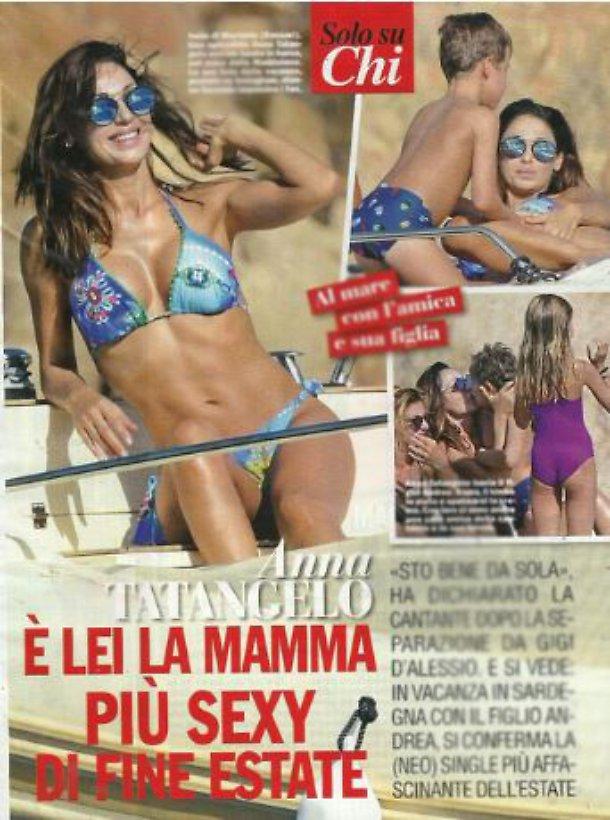 Anna Tatangelo bellissima in bikini