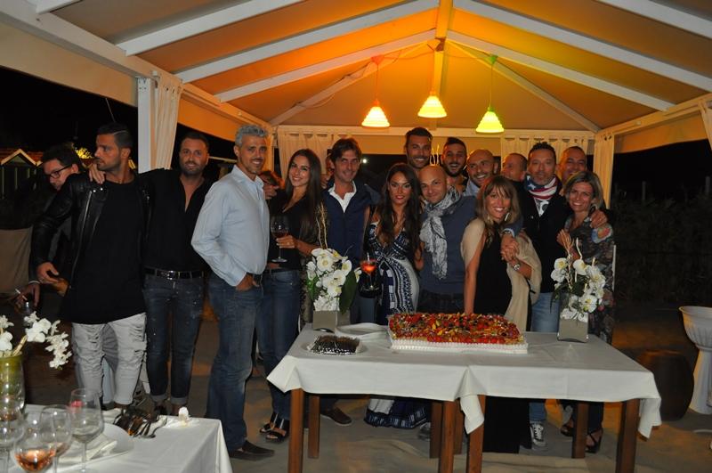 Alessio limatola festeggia il suo compleanno con tanti for Bagno san francesco forte dei marmi