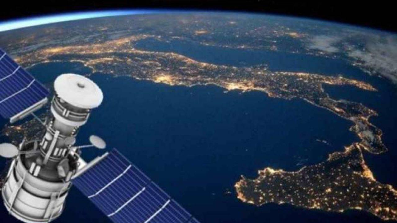 Il Giappone vuole creare un satellite in legno per limitare i detriti nello spazio