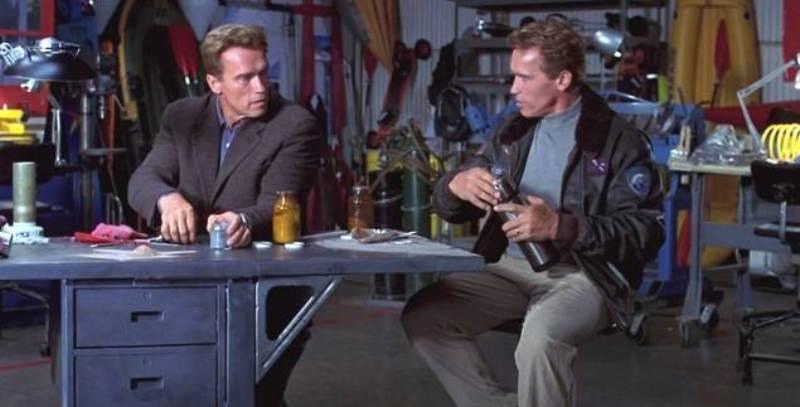 4 maggio stasera in tv: Schwarzenegger e Duvall in un thriller di fantascienza