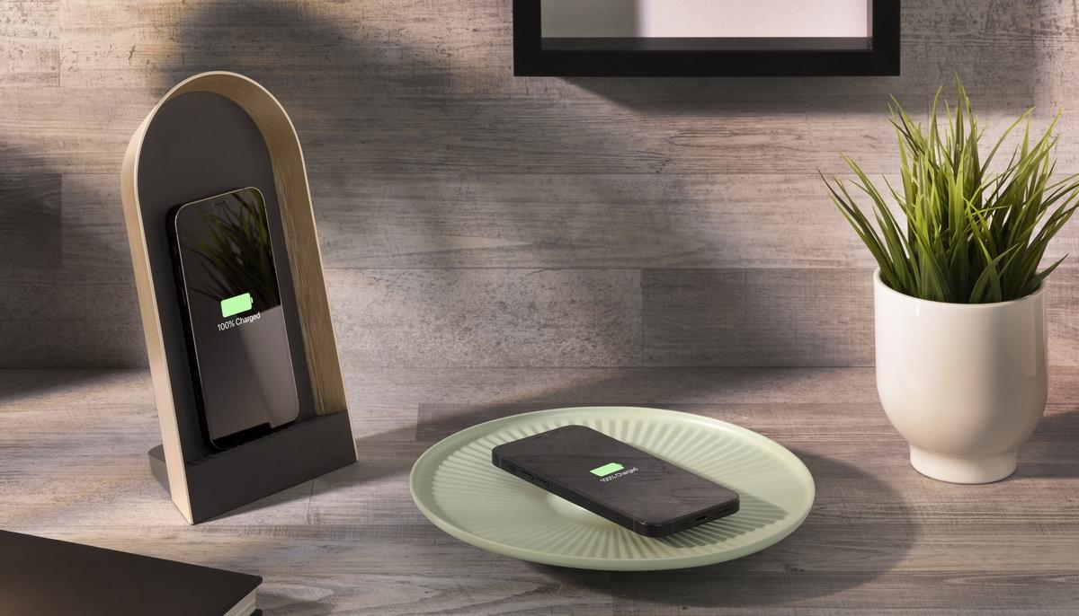 Cellularline lancia i caricabatterie wireless di design Lotus e Domus