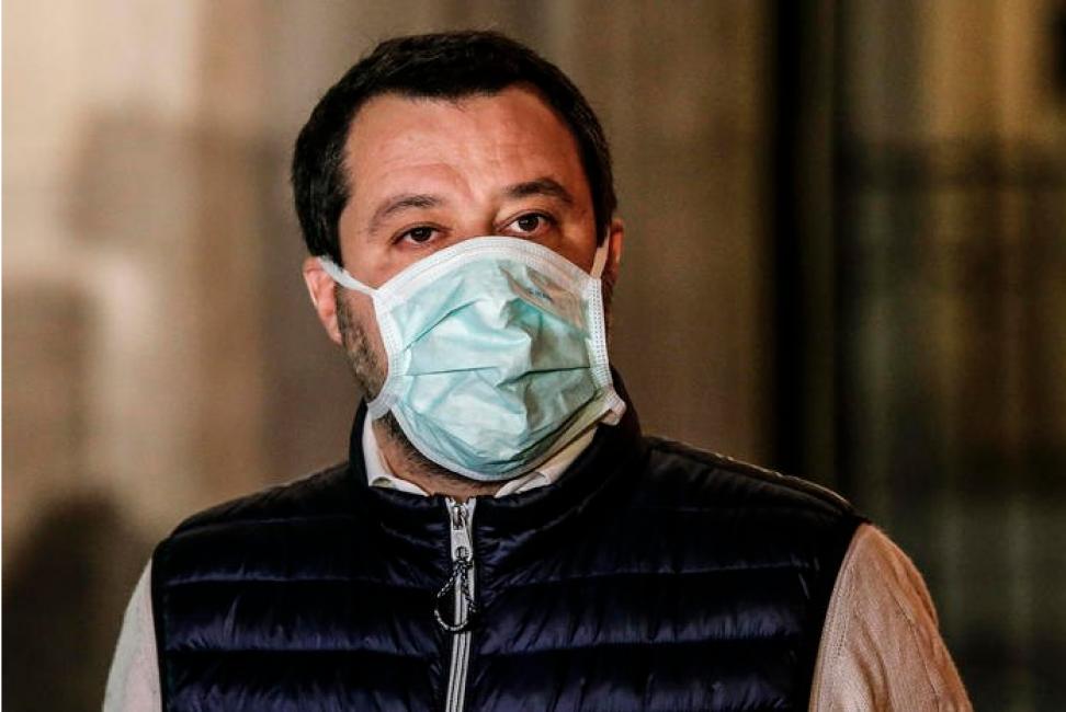 Salvini: milioni di italiani senza lavoro e si pensa di darlo agli immigrati? Scenderemo in piazza