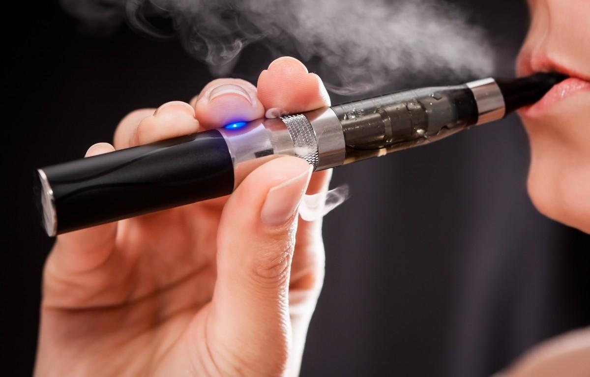 Smettere di fumare provando il piacere e il gusto dello svapo