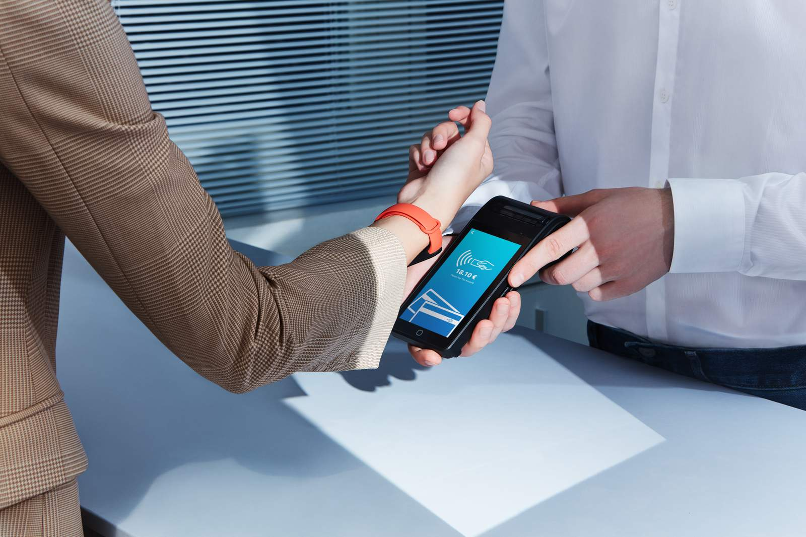 Xiaomi Mi Smart Band 6 NFC arriva in Italia