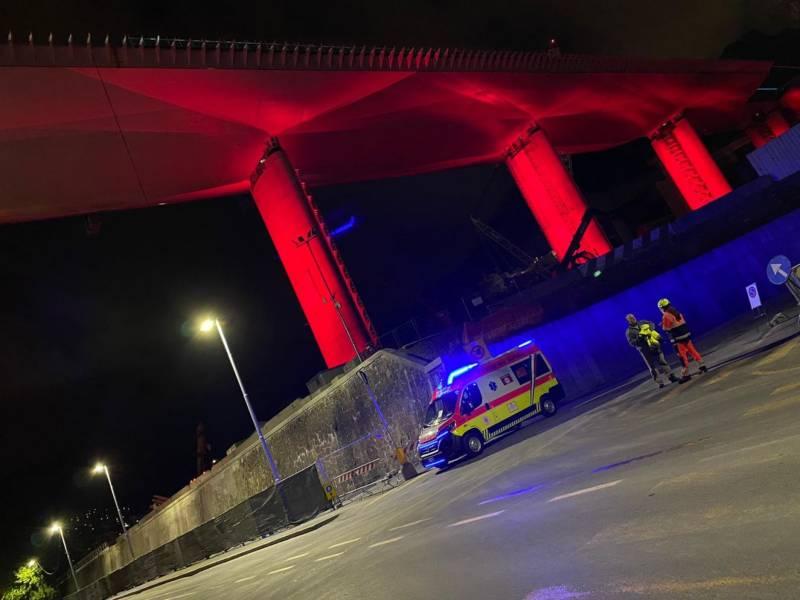 Un boato, il black out e i pensieri al 2018: si è spento il nuovo ponte Morandi